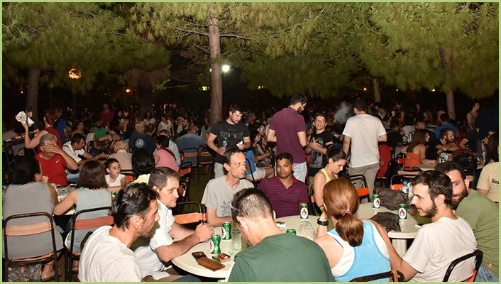 Des applicateurs à une soirée organisée par la direction de RESIMARMO