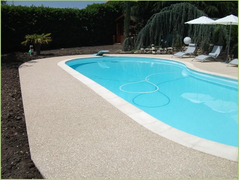 Le primaire d'accrochage - Aménagement des plages de la piscine